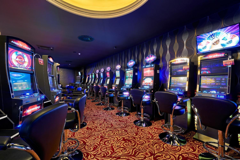 Онлайн казино caesar